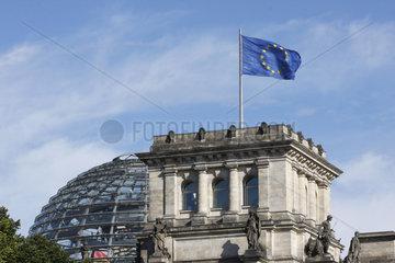 EU Fahne am Reichstag