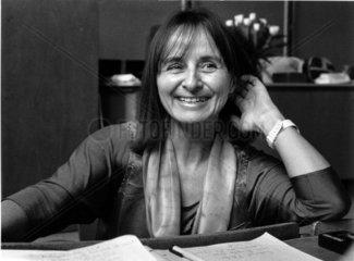 Professor Senta Troemel-Ploetz  Vorlesung