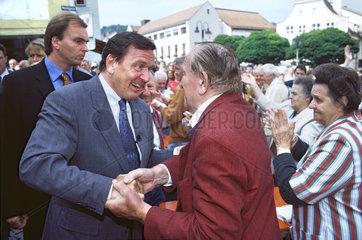 SPD Kanzlerkandidat Gerhard Schroeder  Wahlkampf  1998
