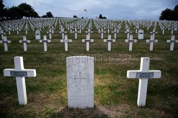 Craonelle  Frankreich  Franzoesischer Soldatenfriedhof zum Gedenken an die Schlacht an der Aisne