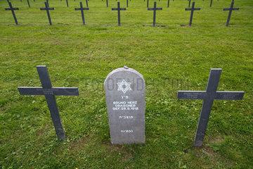 Neuville-St-Vaast  Frankreich  Grab eines juedischen Gefallenen auf der deutschen Kriegsgraeberstaette Neuville-St-Vaast