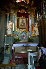 Lemberg  Ukraine  Altar mit dem Bild einer Schwarzen Madonna in der Marienkirche