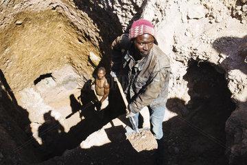 Kleinbergbau im Copper Belt der Minenstadt Kolwezi