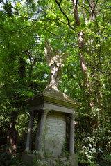 London  Grossbritannien  Grabengel auf dem Abney Park Cemetery