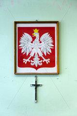 Posen  Polen  Staatswappen und einem Kreuz in einem Klassenzimmer