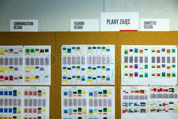Posen  Polen  Stundenplan verschiedener Fachbereiche in der School of Form