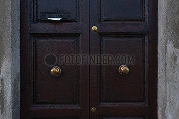 Front Door - Pisa