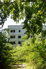 Hillersleben  Deutschland  heruntergekommener Plattenbau der Roten Armee