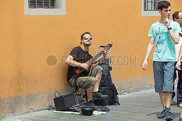 Street Musician - Pisa