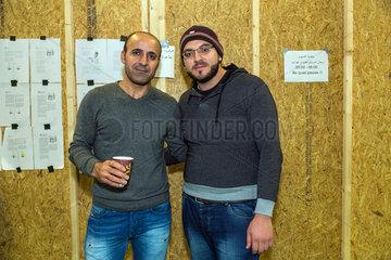 Bremen  Deutschland  syrisch-kurdische Fluechtlinge in einer Notunterkunft