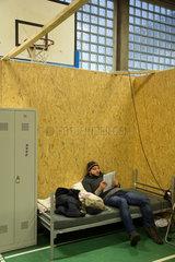Bremen  Deutschland  syrisch-kurdischer Fluechtling in einer Notunterkunft