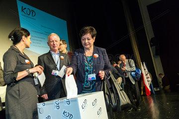 Posen  Polen  Versammlung des Komitee zur Verteidigung der Demokratie