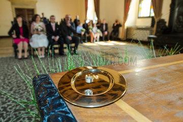 Posen  Polen  standesamtliche Hochzeit eines deutsch-polnischen Paares