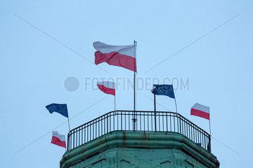 Breslau  Polen  EU-Fahnen und polnische Flaggen zum polnischen Tag der Nationalfahne