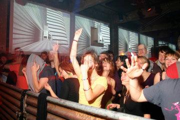 Berlin - Club Transmediale 2007 Dancefloor waehrend der auftritt von Noze