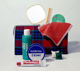 Berlin  DDR  Werbeaufnahme fuer Hygieneartikel