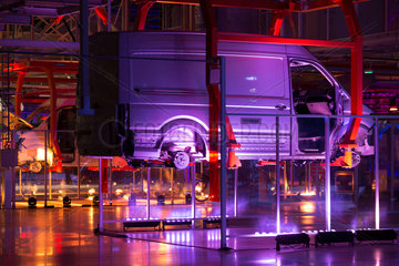 Wreschen  Polen  Eroeffnungsfeier des Werks von VW Nutzfahrzeuge