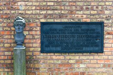 Berlin  Deutschland  Grab des Mediziners Johann Friedrich Dieffenbach
