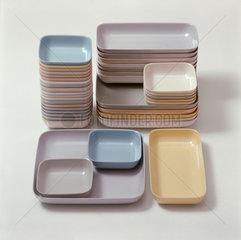 Berlin  DDR  Plastikschalen fuer Lebensmittel wie Salat und Rohkost von Albert Krause 1959