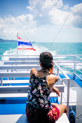Frau auf einem Boot