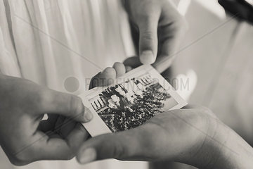 Polaroidfoto in Kinderhand