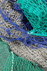 Roennaeng  Schweden  Fischernetze im Fischereihafen