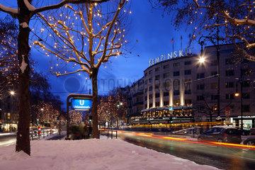 Berlin  Deutschland  Weihnachtsstimmung am Kurfuerstendamm