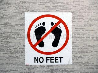 no feet