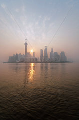 Skyline Pudong bei Sonnenaufgang