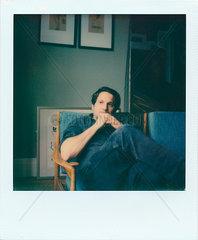 Mann im Sessel