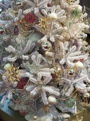 Frankfurt  Deutschland  Christbaumkugeln auf der Messe Christmasworld 2015