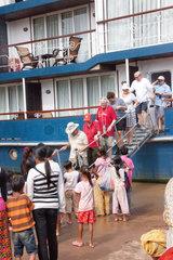 Phnom Penh  Kambodscha  Touristen auf der Yajavarman