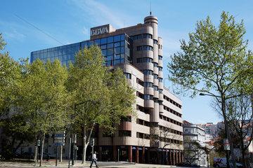 Lissabon  Portugal  Bankgebaeude der BBVA