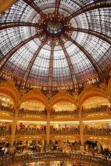 Paris  Frankreich  Kuppeldach des Kaufhaus Galeries Lafayette in Paris