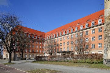 Berlin  Deutschland  Gebaeude der Siemens-Hauptverwaltung in der Nonnendammallee