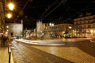 Lissabon  Portugal  Placa Luis de Camoes bei Nacht