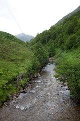 Invermoriston  Grossbritannien  Landschaft mit Fluss in den schottischen Highlands