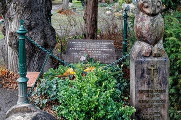 Berlin  Deutschland  Ehrengrab von Adelbert von Chamisso