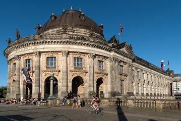Berlin  Deutschland  Monbijoubruecke und Bode-Museum