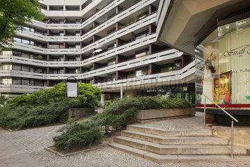 Berlin  Deutschland  Appartementhaus in der Uhlandstrasse