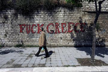 Berat  Albanien  Schriftzug fuck greece an einer Mauer