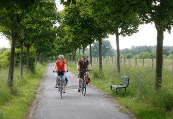 Luenen  Deutschland  Fahrradweg entlang der Seseke