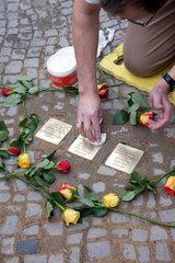 Berlin  Deutschland  Stolpersteinverlegung fuer Bianka Hamburger