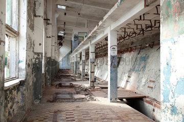 Virve  Estland  Gebaeude des ehemaligen sowjetischen Marinehafens an der Harabucht