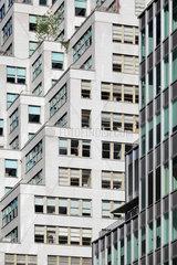 New York  USA  abgestufte Fassade eines Wohnhochhauses in Manhattan