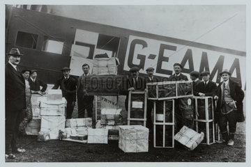 Handley Page O/7 with its cargo  1920.