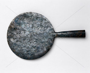 Quer (maloda) used by the Jur Tribe for hoeing  c 1930s.