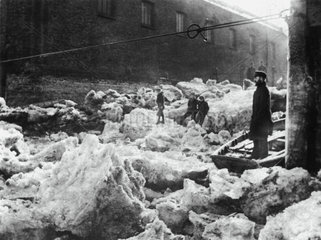 The freezing over of the River Thames  London  1895.