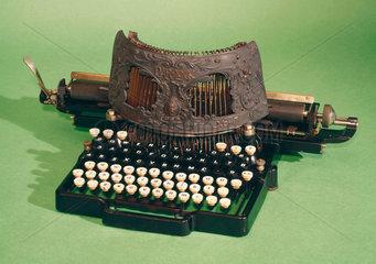 Bar-lock typewriter  1889.