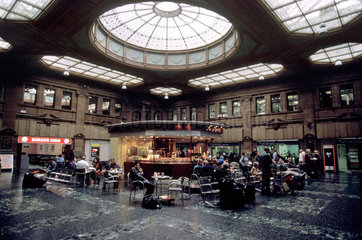 Edinburgh Waverley Station  2001.
